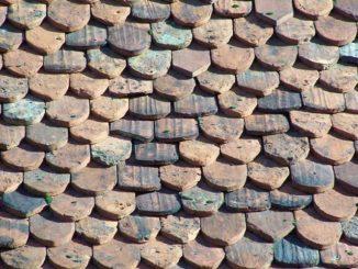 Dach: Sanierung dem Mieter aufbürden / Foto: © Rüdiger v. Schönfels