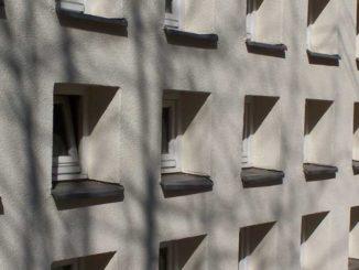 Fenster: Außenanstrich ist Sache des Vermieters / Foto: © Rüdiger v. Schönfels