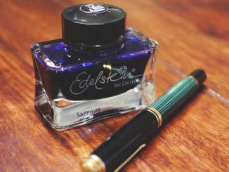 Schreibzeug: Die meisten Laientestamente sind falsch / Quelle: Stockata.de