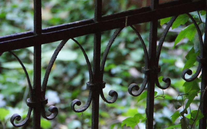 Gartenzaun: Immobilienleerstand bei Steuererklärung nutzen
