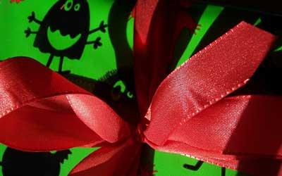 Geschenk: Finanzamt schaut genau hin / Foto: © R. v. Schönfels