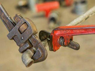 Reparaturen: Rechnung für Handwerker beim Finanzamt einreichen / Quelle: Stockata.de