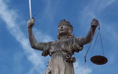 Justitia: Gleiches Recht für alle / Quelle: Fotolia