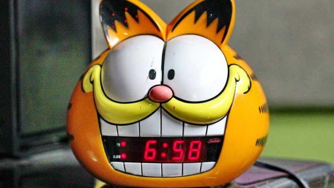 Wecker: Steuererklärung pünktlich abgeben / Quelle: Stockata.de